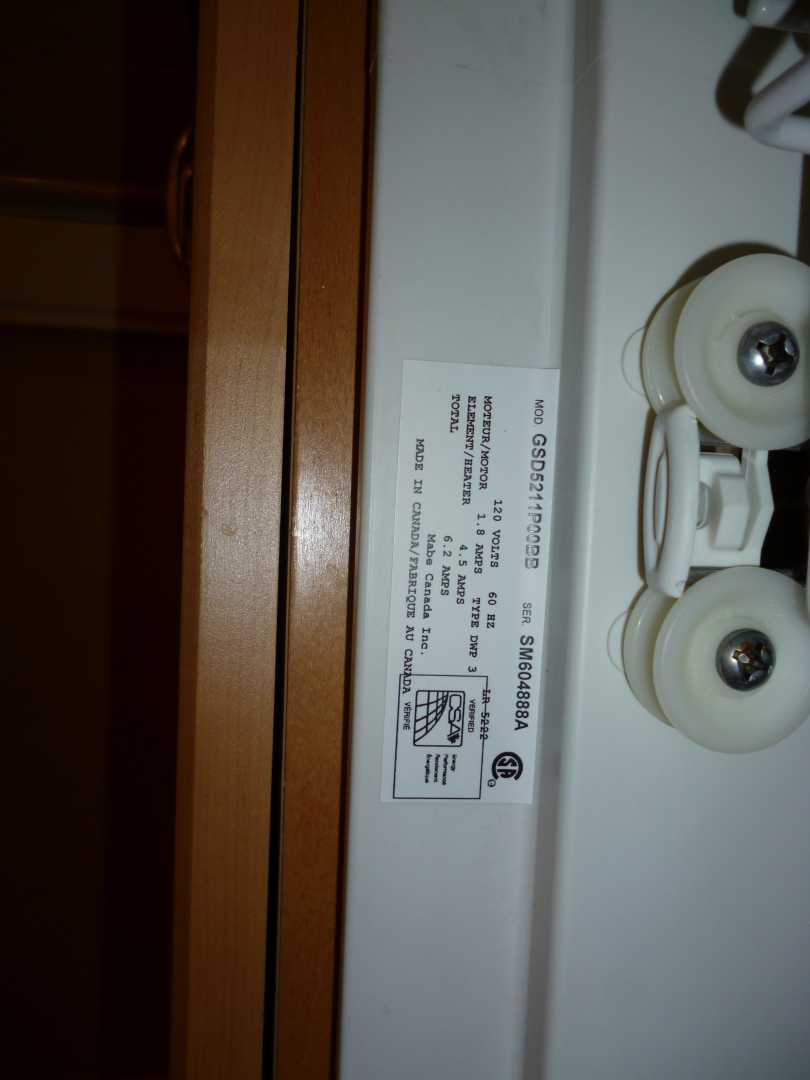 GE Dishwasher - removing lower spray arm-phpm8q8vapm.jpg