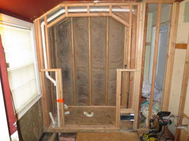 Double shower drain vent question.-pic-005copy.jpg