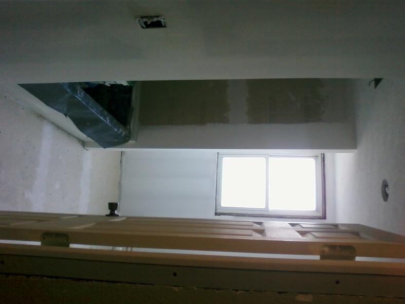 Bathroom floor has crown (high spot) in center of floor, want to tile-pic-0378.jpg