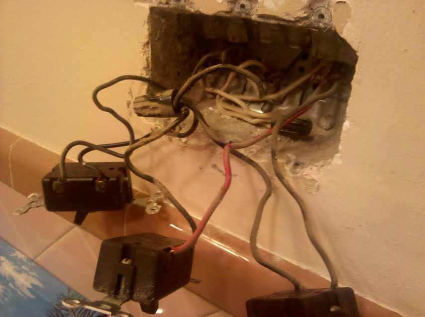 Wiring 2 light fixtures to same switch and add outlet-pic1.jpg