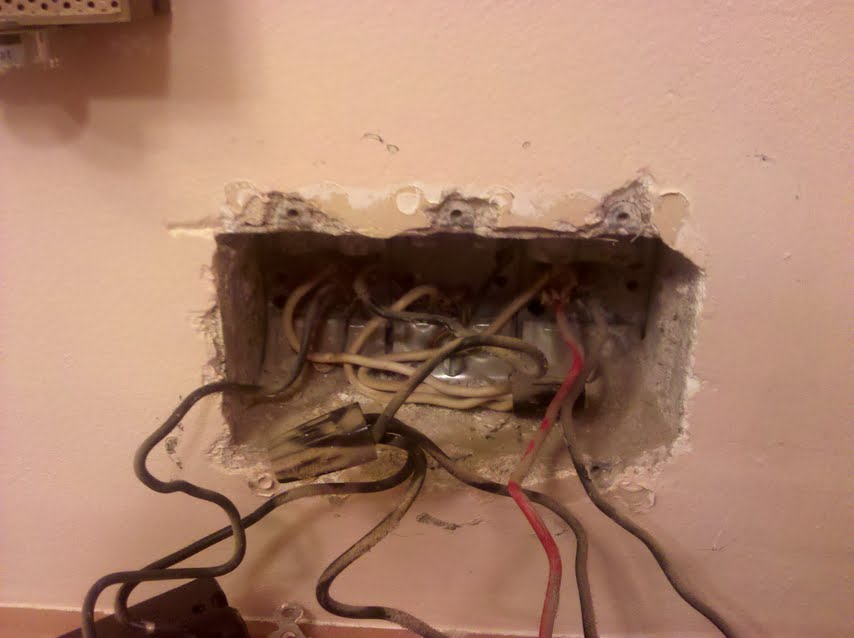 Wiring 2 light fixtures to same switch and add outlet-pic2.jpg