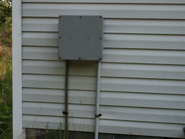 Outside water system box clunking-pict0002.jpg