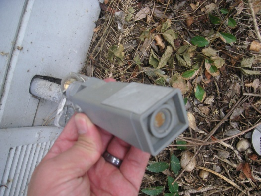 WHAT IS IT??? Outdoor sensor switch attached to junction box?-pict0053.jpg