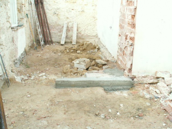 German House Rebuild-pict0285.jpg