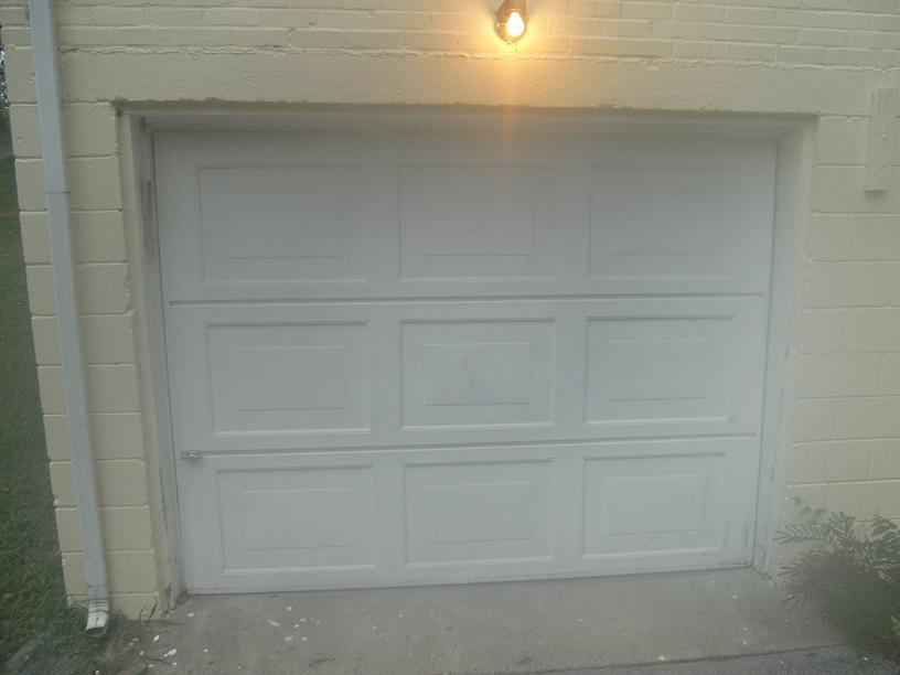 Closing Off A Garage Door Opening. Pict0550