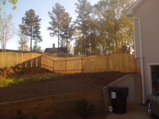 Backyard Fence (Part 1)-picture-007.jpg