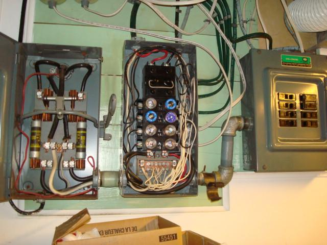 100 amp fuse box in house wiring diagram u2022 rh tinyforge co 125 Amp Fuse Box 1999 Tahoe Fuse Box Diagram