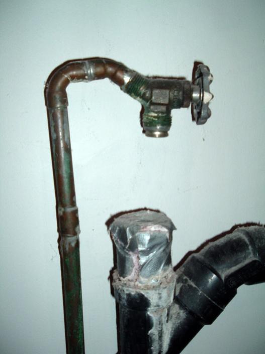 Laundry tub plumbing/drain hookup? Kinda Unique..-pipe-closeup.jpg