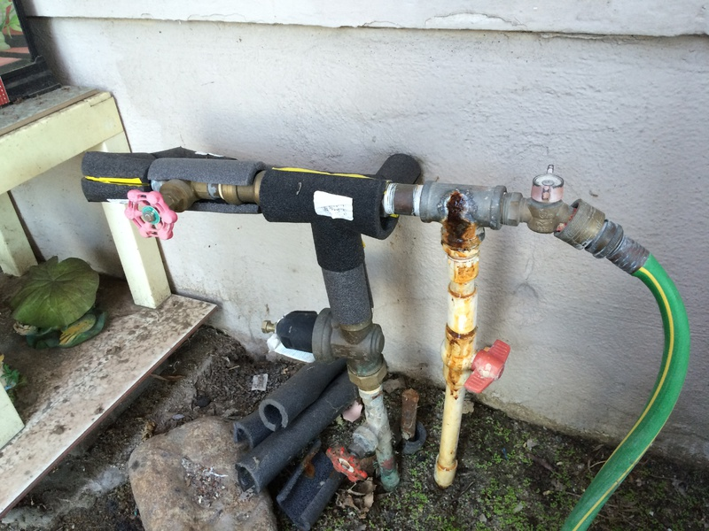 Question on water leak from rusting pipe tee fitting-pipes.jpg