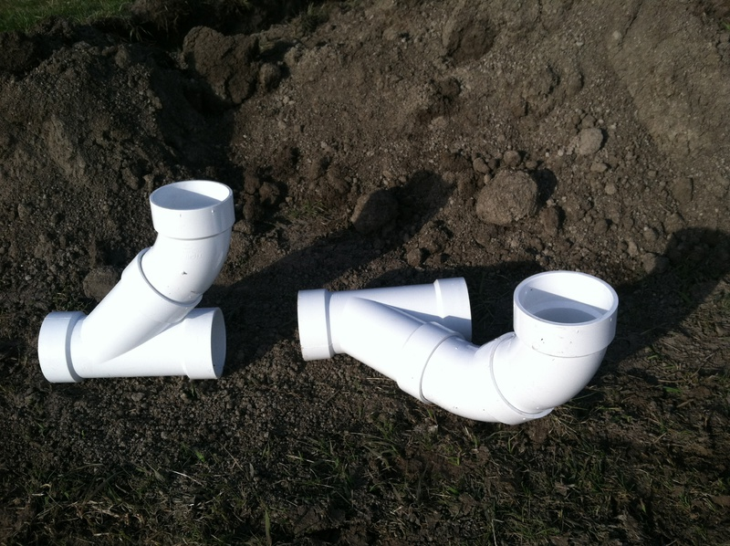 Proper way to lay PVC wye drain-pipes.jpg
