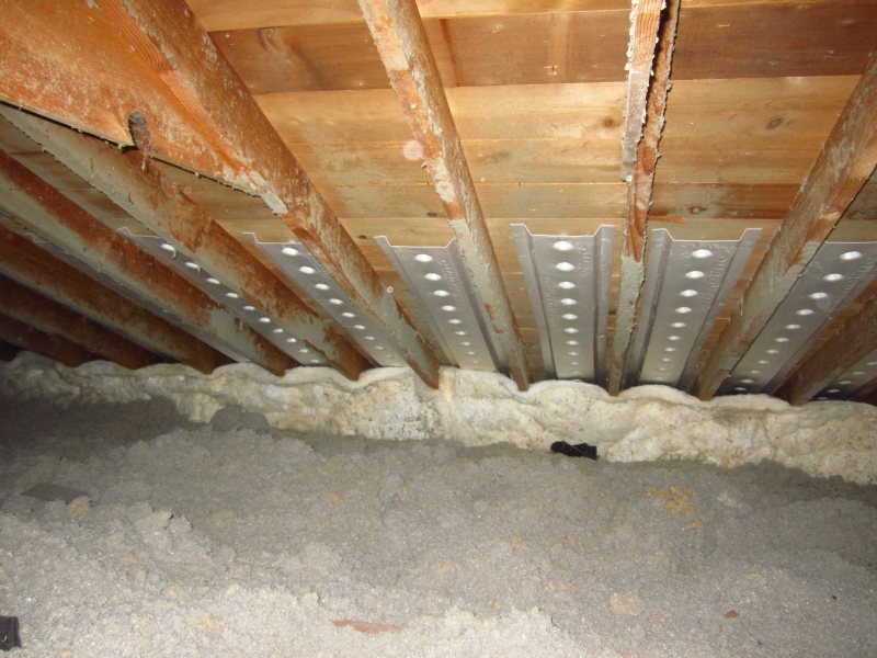Attic Insulation is Wet - Any Idea Why?-proper-air-chute-installation.jpg
