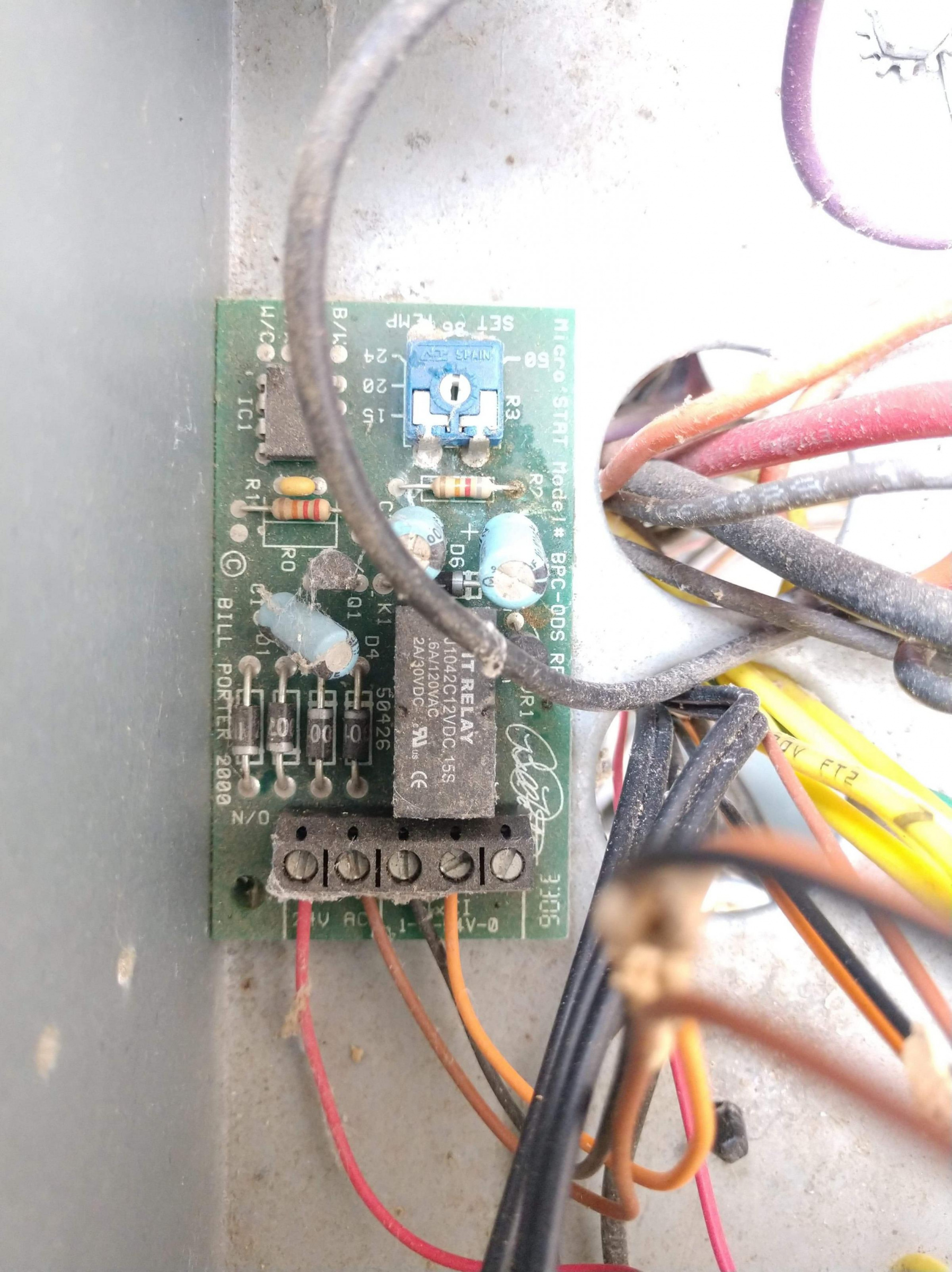 My thermostat with separate O and B terminals-received_527580148171900_1584299476981.jpg