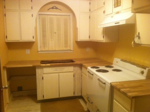 wood countertops-rental-kitchen-2.jpg