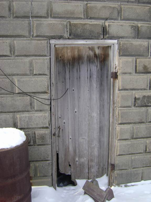 Rebuilding old cinder block pump house-resize-3.jpg