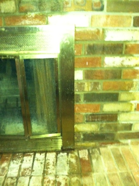 Help needed for leaking fireplace-right-side-bricks.jpg