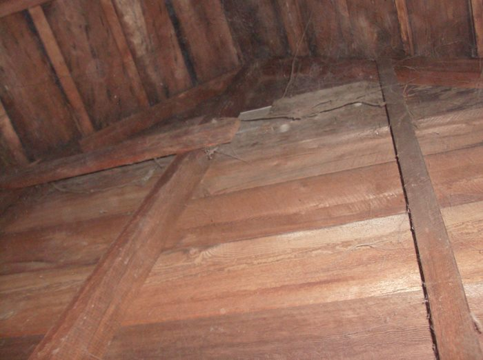 Ceilings and walls???-roof-structure-inside-7.jpg