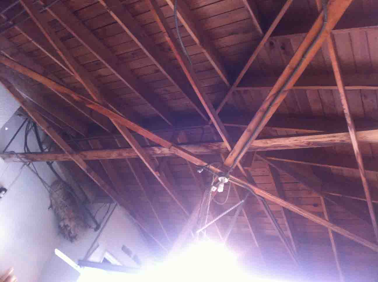 can i remove cross beams from my garage?-roof-supports.jpg