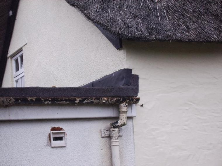 Problems with neighbour's roof :-(-roof2.jpg