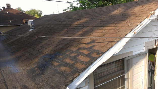 1930's low pitch roof-roof3.jpg