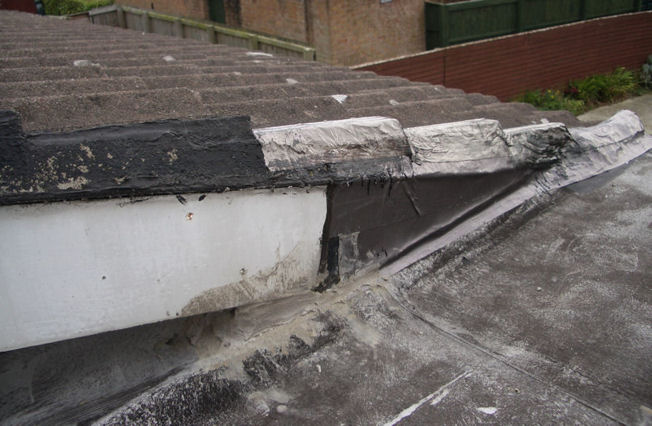 Problems with neighbour's roof :-(-roofmore3.jpg