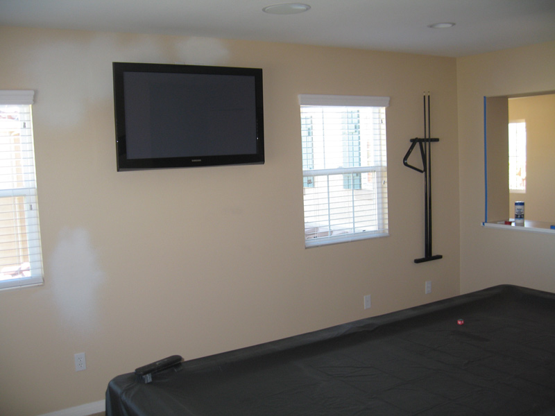 Need suggestions for Painting my game room...  PICS included.-room360.jpg