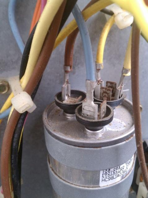 HVAC condensor fan outside intermittant-rsz_1imag1385.jpg