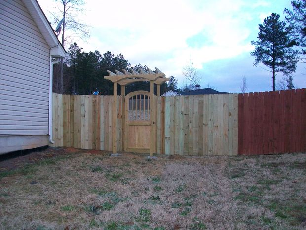 Backyard Fence (Part 1)-rsz_picture_001.jpg