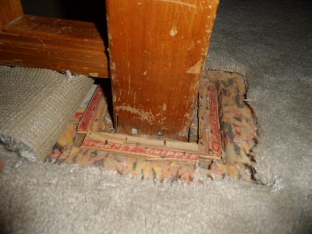 hardwood around stair handrail/banister?-sam_0625.jpg