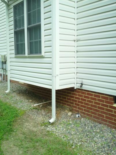 Installing underground drainage for gutters-sam_0912.jpg