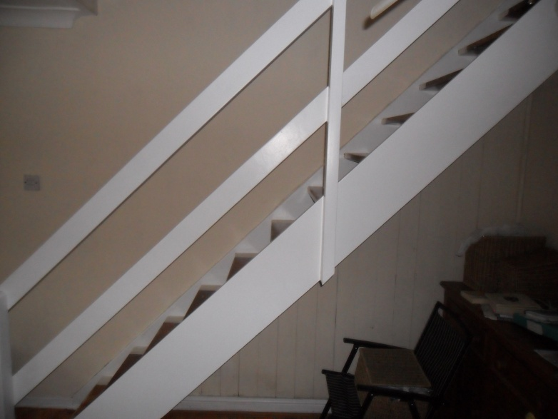 How do you enclose open plan stairs?-sam_1012.jpg