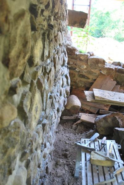 Field stone foundation bulge (repair questions)-screen-shot-2017-06-08-9.14.36-am.jpg
