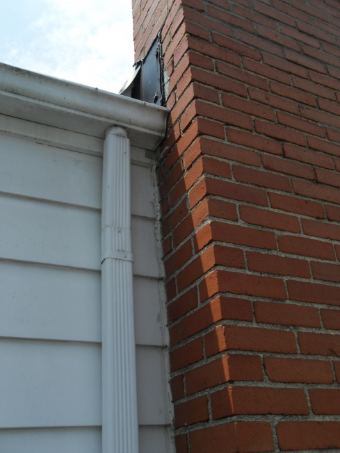 Moisture on interior chimney wall, need advice-sdc11553.jpg