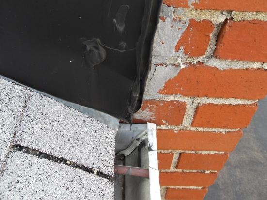 Moisture on interior chimney wall, need advice-sdc11574.jpg