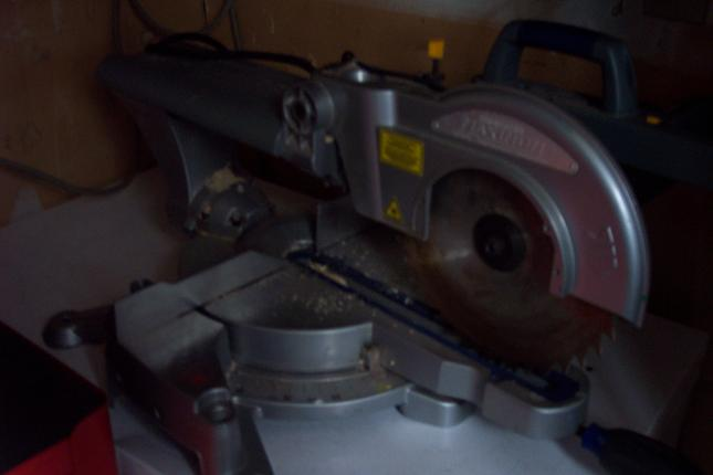 """(pic) cutting 3"""" pvc pipe with-send.jpg"""