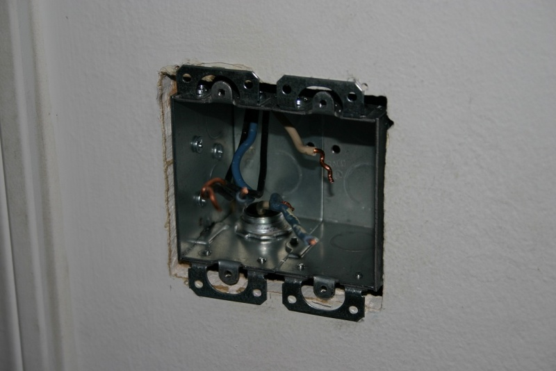 Single Gang Double-switch to Double Gang w/ Two Single Switches-single-gang-double-gang-metal-box-3.jpg