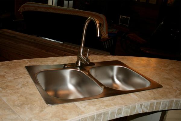 Gulf Island Building.-sink-faucet.jpg