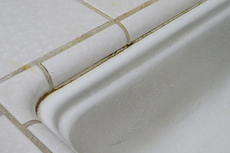 Clean or remove grout from sink?-sink2.jpg
