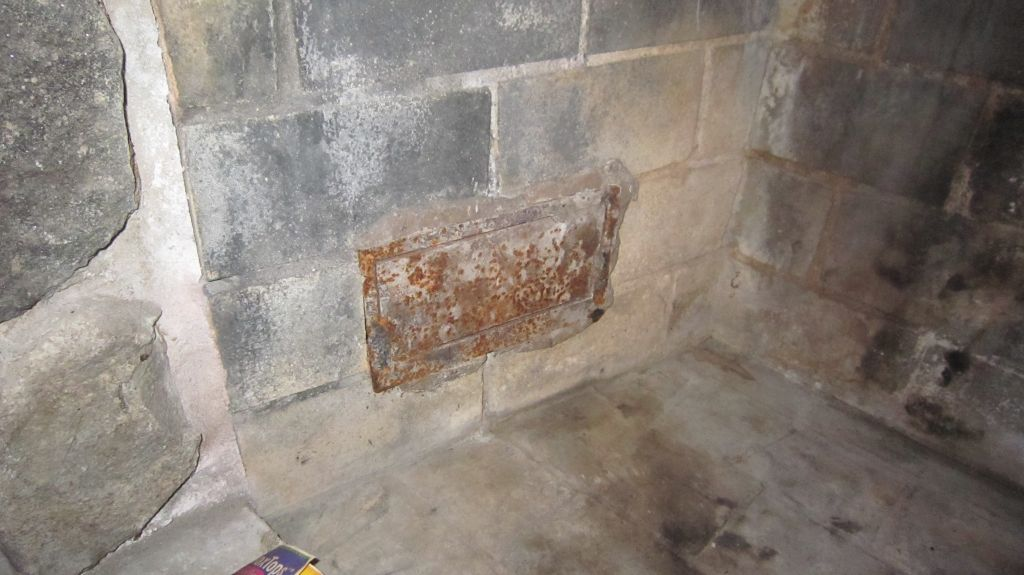 Fireplace vents, what are these for and can I seal them up?-slide-img_3853.jpg-1355369537-1024-768-0-0.jpg