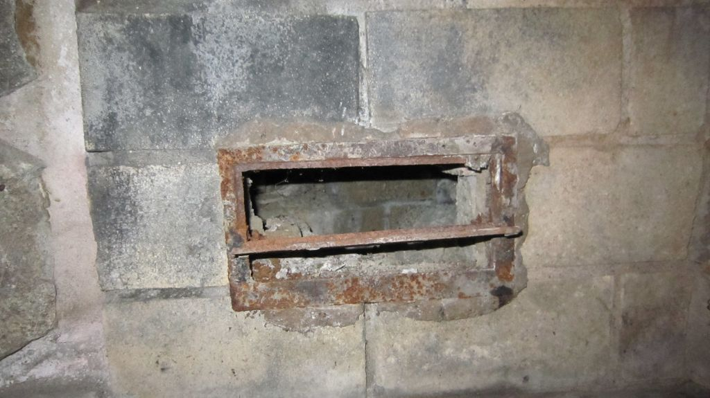 Fireplace vents, what are these for and can I seal them up?-slide-img_3854.jpg-1355369538-1024-768-0-0.jpg