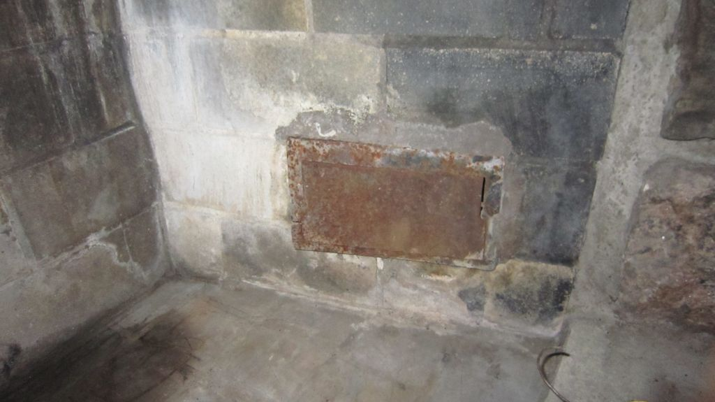 Fireplace vents, what are these for and can I seal them up?-slide-img_3856.jpg-1355369539-1024-768-0-0.jpg