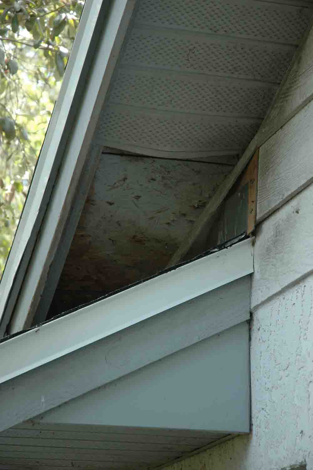 how to repair sagging/loose soffits?-soffit-3.jpg