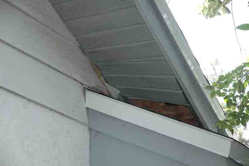 how to repair sagging/loose soffits?-soffit-4.jpg