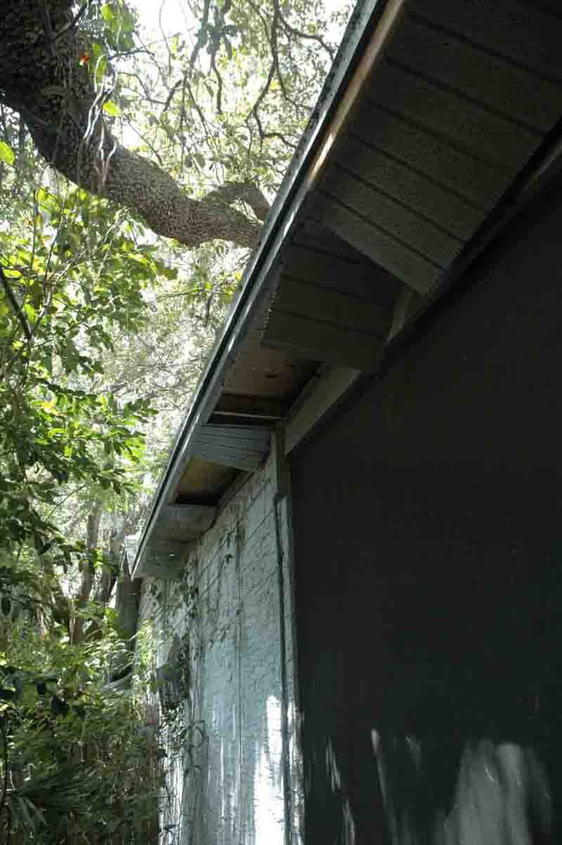 how to repair sagging/loose soffits?-soffit-5.jpg