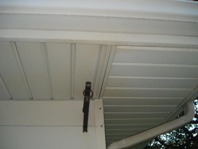 Question about installing soffit vents-soffit1.jpg