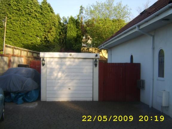 new double garage-sta72260.jpg
