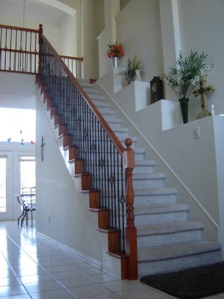 Staircase railing-stairslt7.jpg