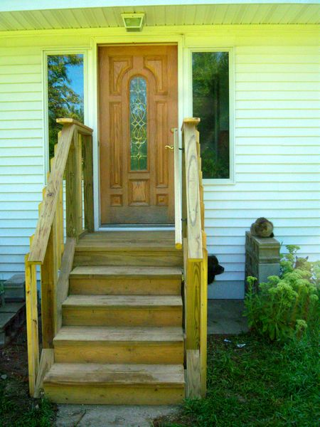New porch/landing with balusters & rails.-steps-done.jpg