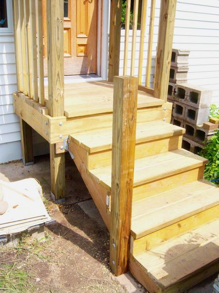 New porch/landing with balusters & rails.-steps2e.jpg