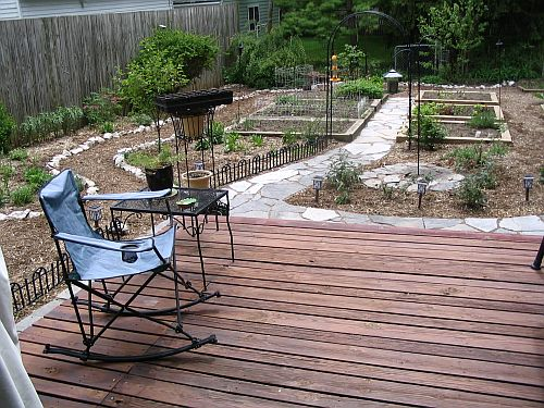 Building a new deck......suggestions? thoughts?-stillwerkin-yard.jpg