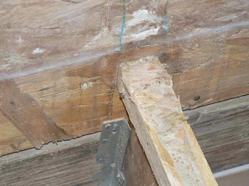 Possibly some advice on subfloor/joist situation: improper hangers and more?-subfloor_joists_08-1.jpg